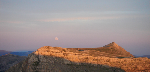 moon rise over Grand Mourre